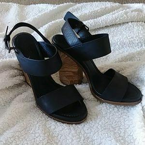 Vince black leather wood block heel sandle